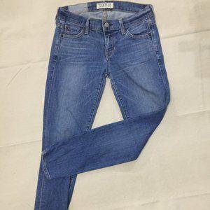 ELIZABETH & JAMES TEXTILE Slim Fit Skinny Jeans